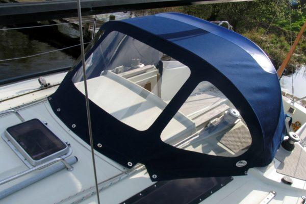 Custom Navy-Blue Yacht Spray Hood