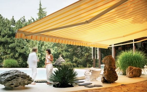 semi-casette retractable awning