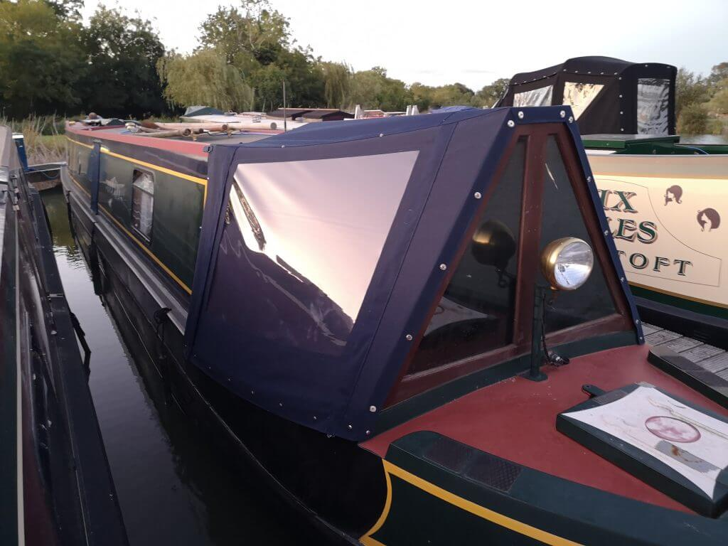 navy blue Narrow Boat Cratch