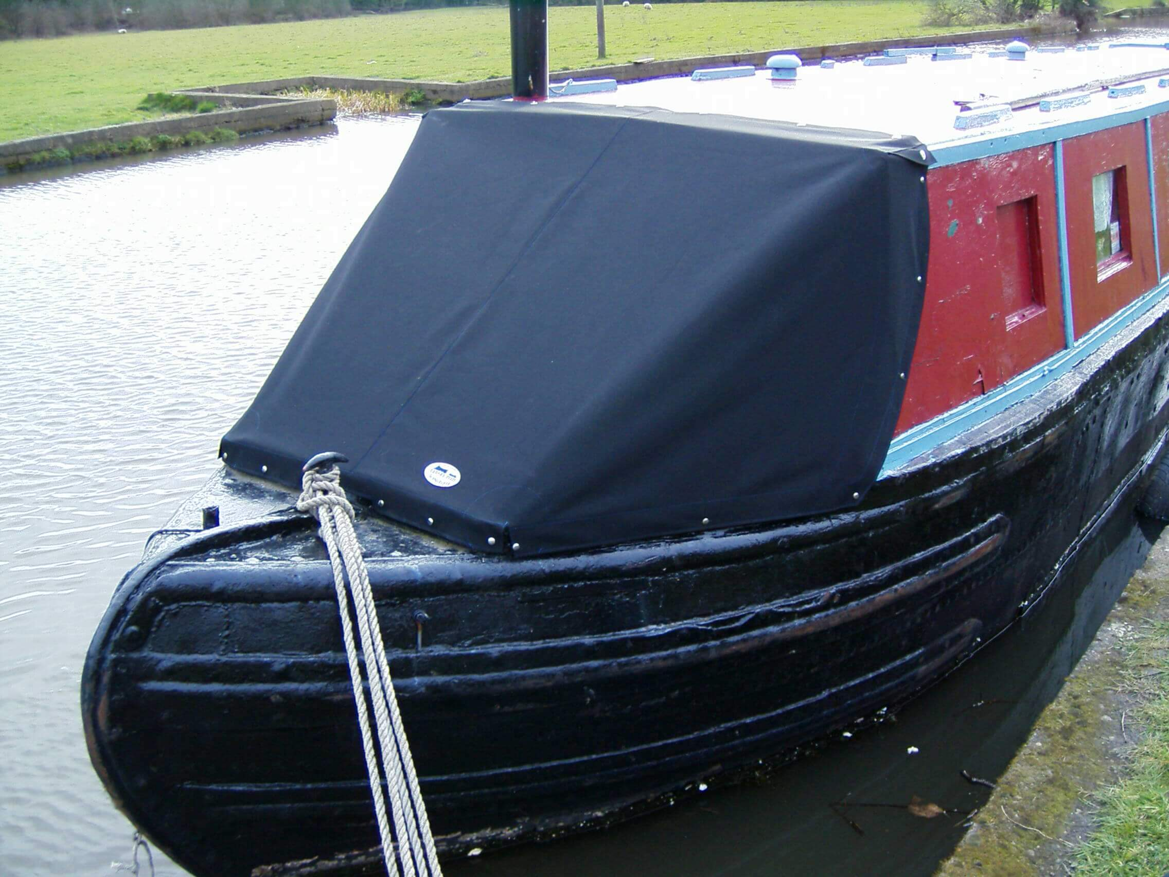 Custom Black Narrow Boat Cratch Tonneau