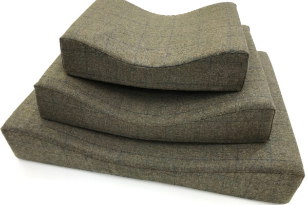 Green Lancashire Tweed Dog Bed
